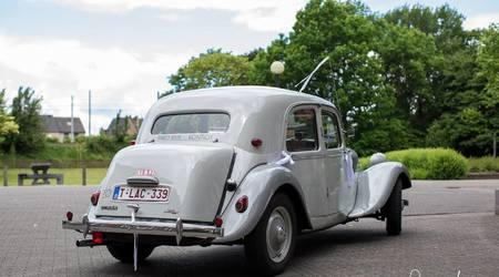Lichtgrijze Citroën Avant Traction Légère